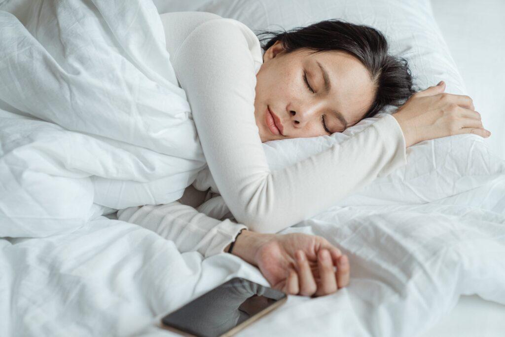 negative effects of screens on sleep