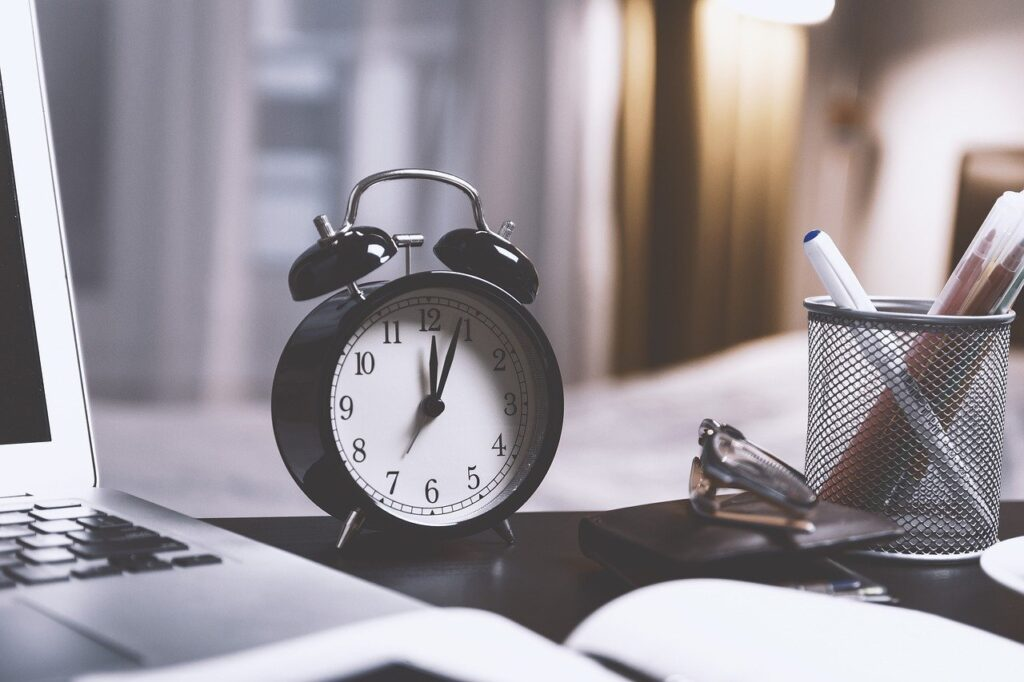 give inclineHR's Time management blog a read